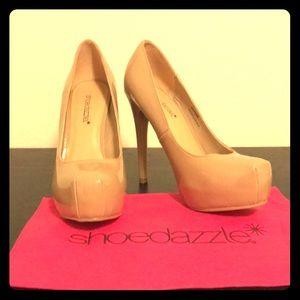 Shoedazzle Marion platform heel never been worn